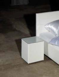 noční stolík se sklem NS35
