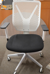 stolička WHY 321-SY, č. AOJ406